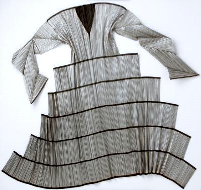Модель японского дизайнера Иссей Мияке